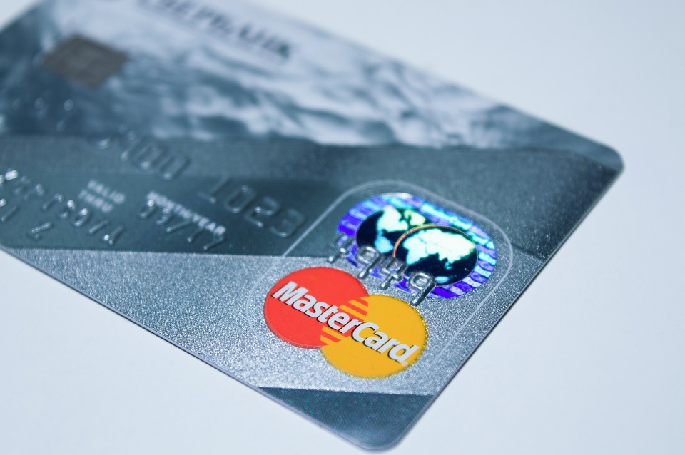 MasterCard Inc. (NYSE:MA) Beats Earnings Estimates as Customers Spend More