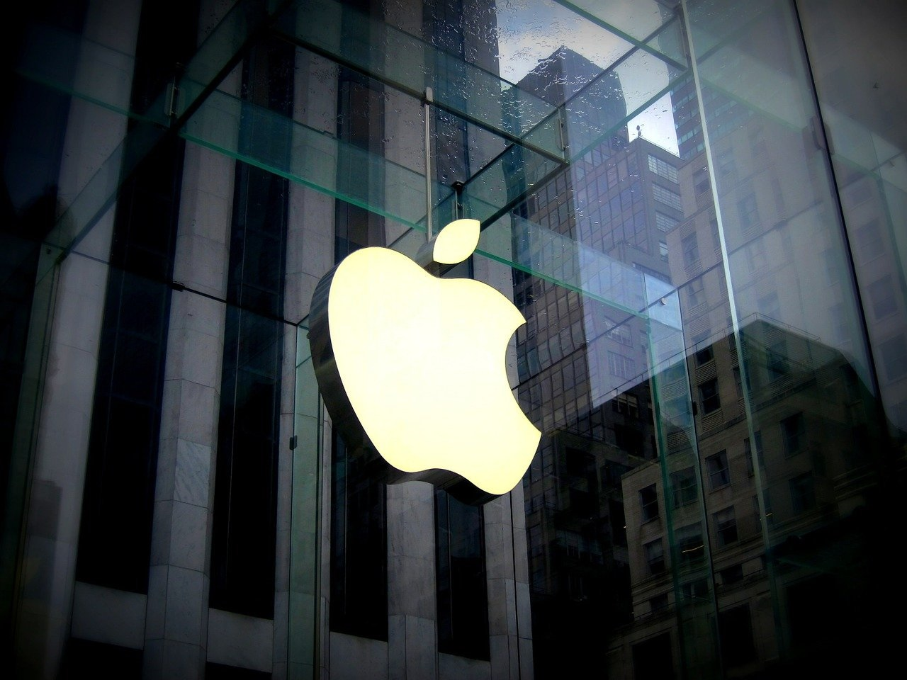 Apple Inc (NASDAQ: AAPL) Gets Caught Up in Illegal Labor Allegations Involving Forced Uigur Muslim Workers
