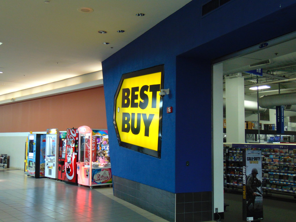 Best Buy Co Inc. (NYSE:BBY) Unveils Black Friday Deals
