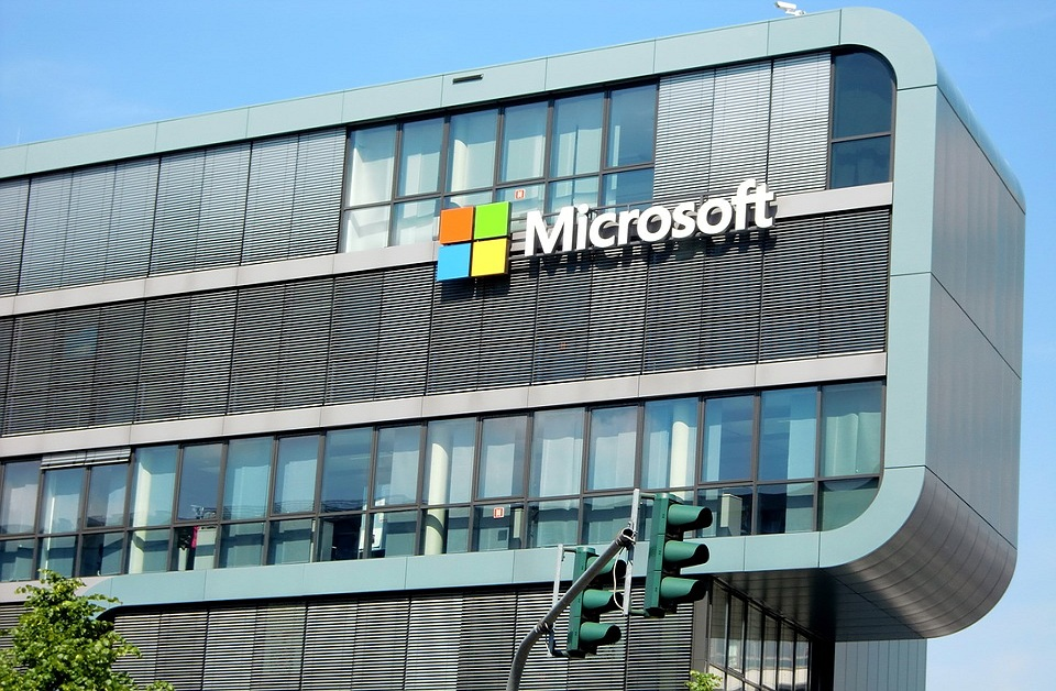 Microsoft Corporation (NASDAQ:MSFT) To Boost Its Cloud Offerings Through Azure Sphere And Azure Orbital